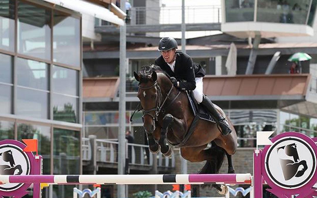 Niels Tacken 1 en 4 in Grote Prijs Indoor Leunen