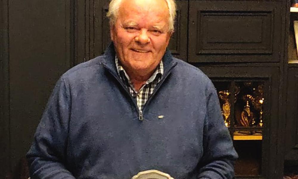 Bronzen KNHS-speld voor Jan Makkinga