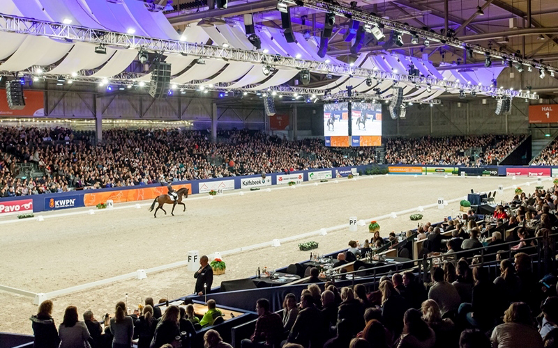 Den Bosch: hengstencompetitie dressuur naar zaterdag
