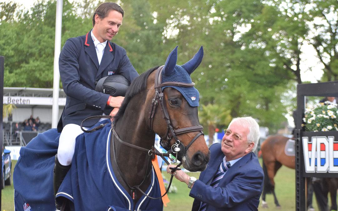 Leopold van Asten wint 1m45 GP