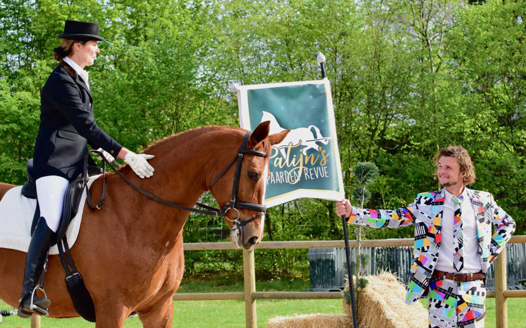 Patijn's Paarden Revue geeft kleur aan jubileum CH Eext
