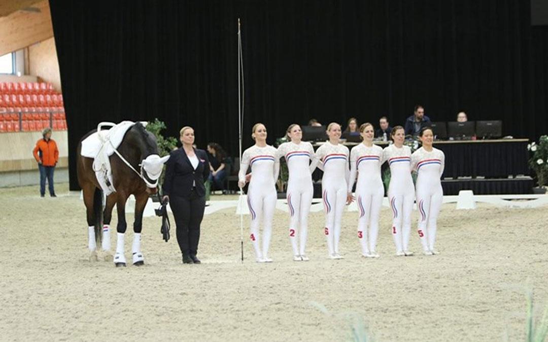 Team Roy Rogers eerste Nederlands Kampioen Voltige