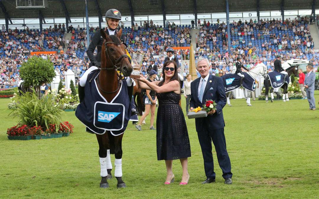 Ingrid Klimke dankzij dressuur weer winnaar in Aken