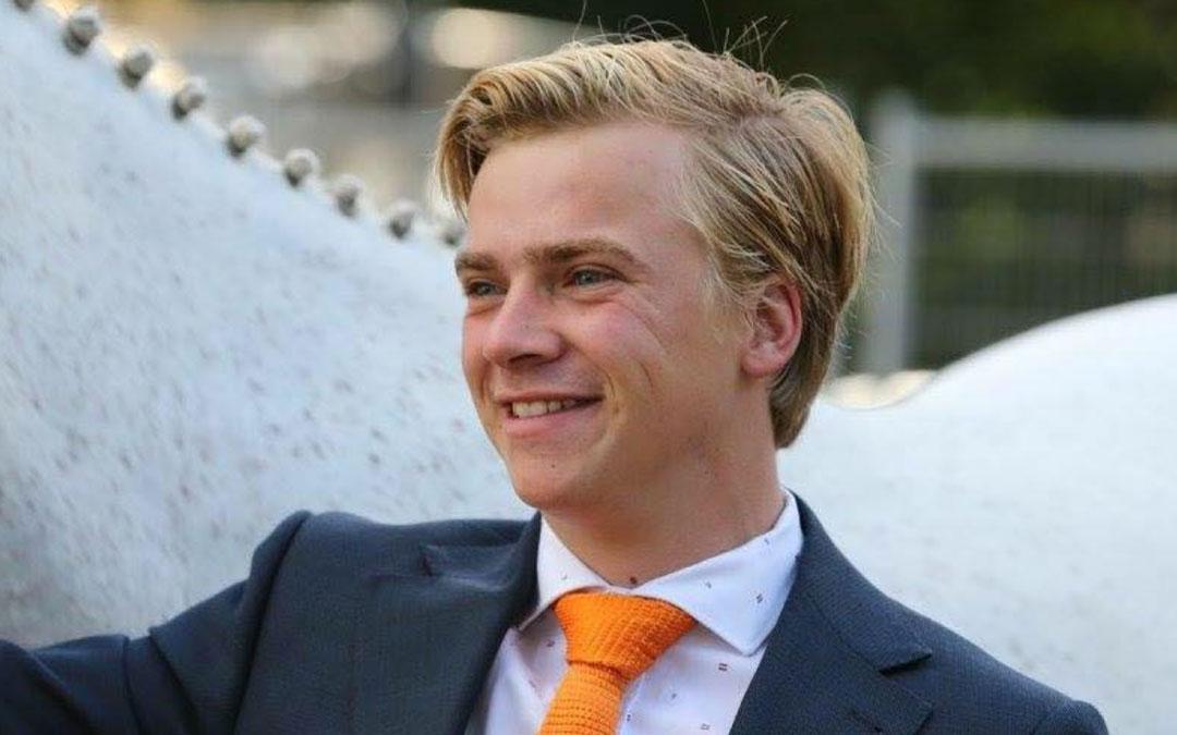 Jordy Wilken wint in Emmeloord