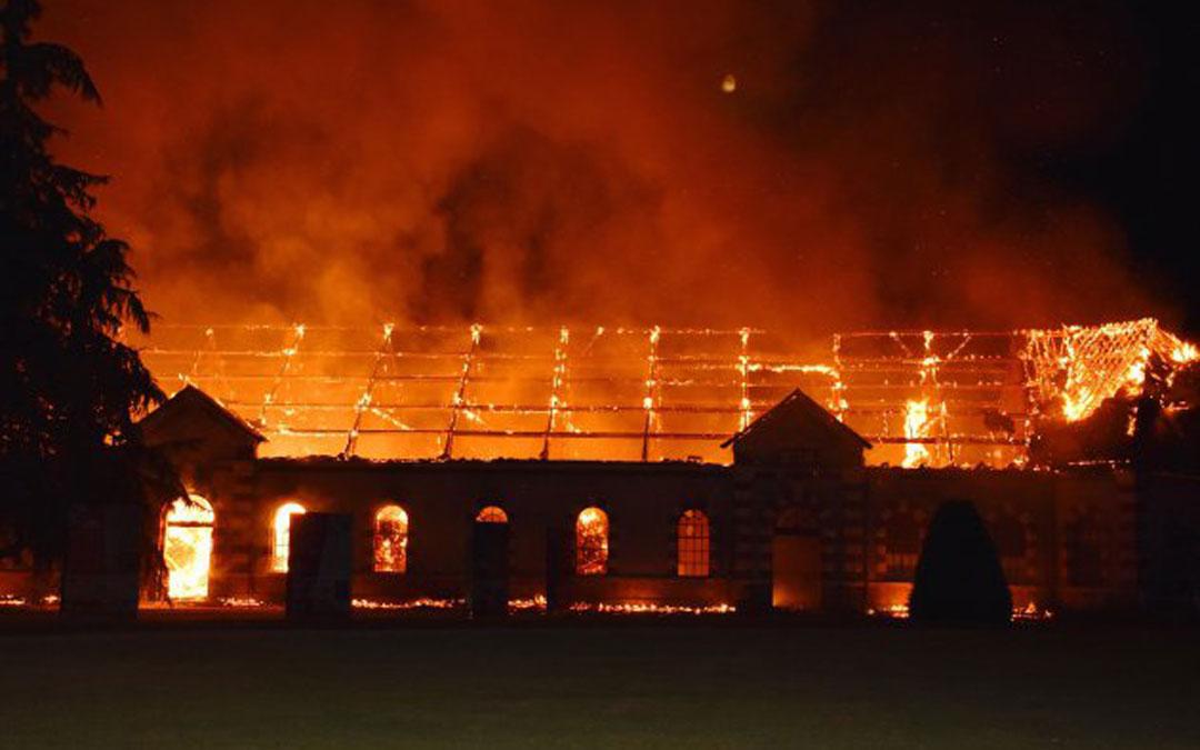 Haras Saint-Lô door vuur verwoest