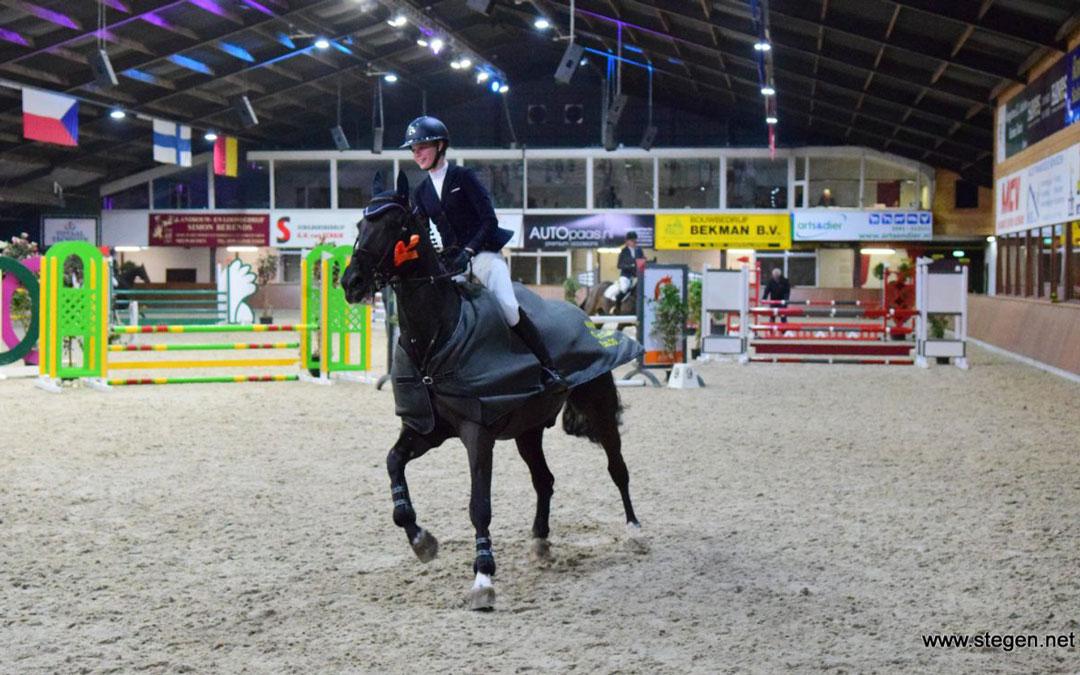 Jolienke Huisman scoort in Exloo bij NIK-competitie