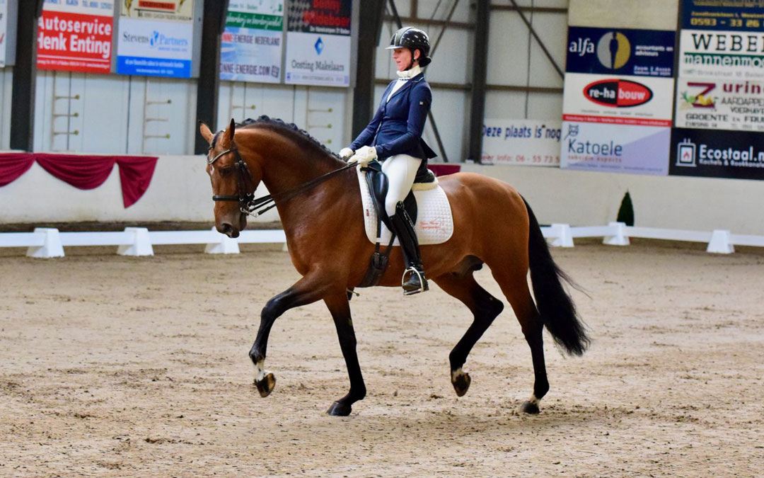 Laura Zwart viert rentree bij Indoor Hartje Drenthe met overwinning