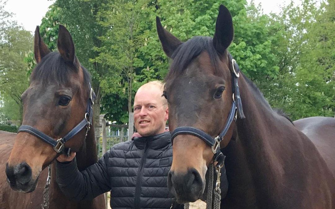 Hans de Vries: Hé, het is míjn paard hè?