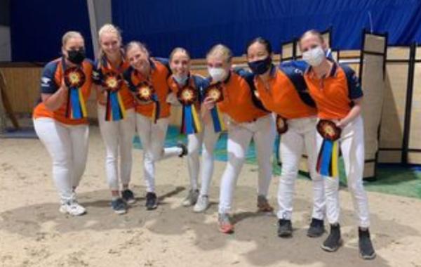Nederlandse voltigeurs in vorm in Aken